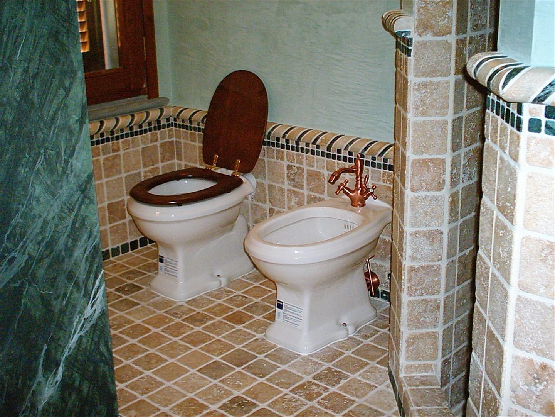 Bagni Rustici In Muratura Immagini : Bagni in muratura. awesome vasche in muratura a mosaico o cemento